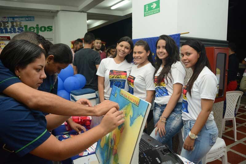 Comercio y Negocios Internacionales - Universidad Simón Bolívar
